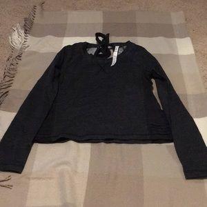 Lululemon charcoal gray longsleeve shirt size 4